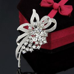 Wholesale South Korean Hot Models - 2016 Korean fashion retro brooch crystal brooch pin brooch Hot series of new high-end models factory direct wholesale