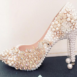 Wholesale Pretty Shoes - Rhinestone Phoenix Flowers Appliques Wedding Shoes White Pearl High Heels Pointed Toe Bride Shoes Pretty Prom Celebrity Shoes