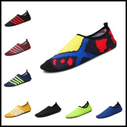 Wholesale Women Moccasin Boots - Women Men Sport Running Shoes Moccasins Nakedfoot Soles Beach Socks 29 Colors Boots for Swim Surf Jog