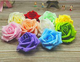 Cabeza de bola flores artificiales online-18% DE DESCUENTO Venta caliente de espuma artificial rosas para el hogar y decoración de la boda cabezas de flores besos bolas para bodas multi color 7 cm de diámetro