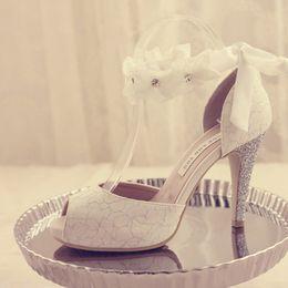 54c01a6a8f1 Peep-toe Lady Formal Dress Schuhe Damen High-heeled Schuhe Schöne weiße Spitze  Hochzeit Braut Partei Prom Schuhe Pageant Pumps rabatt schöne brautschuhe