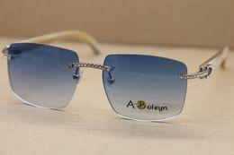 2017 novo estilo samll diamante óculos de sol sem aro t8300816 branco búfalo chifre óculos famosa marca óculos de sol moldura tamanho: 54-18-140mm de