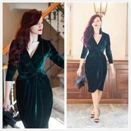 velvet wear 2018 - Vestido de Festa Sexy Dark Green V Neck Velvet Short Cocktail Dresses Long Sleeves Ruched Club Wear Dresses Evening Prom Dresses 2018