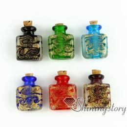 2019 botellas plásticas al por mayor Botellas de vidrio en miniatura pequeñas urnas para cenizas joyas de ceniza conmemorativa