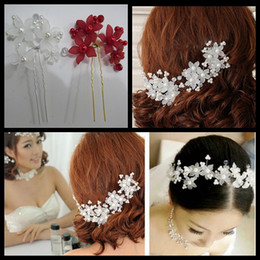 Wholesale Wholesale Wedding Hair Pieces - 6 Pieces New Bridal Hair Accessories Flowers Beads Bride Hair Pearl Pins Comb Wedding Dresses Accessory Charming Headpieces Red White
