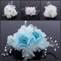 rosa fascinatoren für haare Rabatt Kostenloser Versand Blumen Haarschmuck Weiß Blau Oder Rosa Hochzeit Zubehör Mit Perle Perlen Abend Prom Party Fascinators Verziert