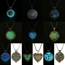 Wholesale Steampunk Locket Necklace - Wholesale-Steampunk Pretty Magic Round Fairy Locket Glow In The Dark Pendant Necklace Gift Glowing Luminous Vintage Necklaces Random color