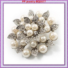 Wholesale White Flower Pins Brooches - Vintage Style Diamante Crystals And Faux Peal Leaf Flower Pin Brooches BQ0077 High Quality Elegant Flower Wedding brooch Pin