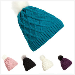 Wholesale boys novelty ties - Pompom Women Beanies Winter Keep Warm Rhombus Cap Fashion Lovely Knitted Hat Multi Color New Arrival 9lza C