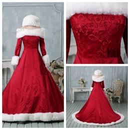 Wholesale Winter Shoulder Fur - Winter Wedding Dress Christmas Wedding Dresses Faux Fur Satin Bridal Dress Embroidery Wedding Gowns Long Sleeve Bridal Dress Gown 2015