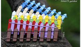 2019 mini-gartenzaun Gartendekorationen 50 Stücke Holzzaun Palisade Miniatur Fee Gartenhäuser Dekoration Mini Handwerk Micro Landschaftsbau Decor rabatt mini-gartenzaun