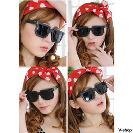 Wholesale Gamer Sunglasses - Wholesale-New 2014 Retro Unique Unisex Pixel 8 Bit Pixelated Style Square Gamer Geek Sunglasses Sale
