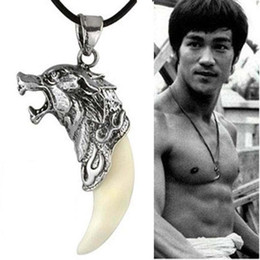Koreanische antiquitäten online-Männer Antik Silber Tribal Weiß Stark Wolf Fang Zahn Boho Koreanische Anhänger Halskette Pullover Halskette Als Liebhaber Geschenke Für Geburtstag ZJ16-N05