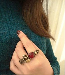 Wholesale Two Finger Skull Ring - Wholesale-Hot Sales 1 Pair Fashion Retro Bronze Skull Head Red Stone Double Two Finger Ring 65329