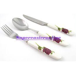 столовые приборы Скидка Wholesale-Stainless Steel Fork & Spoon & Knife White Ceramic Handle Flower Design 3in1 Dinnerware Pack Flatware Set Cutlery Kit Gift