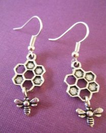 """Wholesale Vintage Honeycomb - 50 pair lot Ancient Silver Plated Pendant """" Bee&Honeycomb"""" Drop Earring Dangle Charm Vintage Jewelry New Fashion Women"""