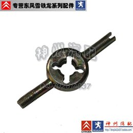 Wholesale Tire Valve Wrench - Wholesale-Repair Tools - valve wrench   valve opening   discharge tire air valve core tool with removable single price