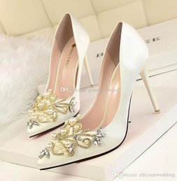 Wholesale Satin Shoe Pearl Ankle Strap - 2017 vintage satin wedding shoes with pearls crystals beaded pointed toe high heels shoes for wedding bridesmaid evening party prom