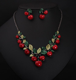 Wholesale Vintage Indian Necklace - Vintage Red Cherry Pattern Necklace Earrings Jewelry Set New Fashion Statement Jewelry for Party Set Cute Gift wedding jewelry