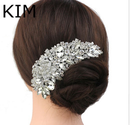 Wholesale Trendy Hair Accessories For Women - Rhinestone Crystals Comb Clear Flower Hair Comb for Wedding Women Jewelry Hair Accessories Bridal Comb Free Shipping