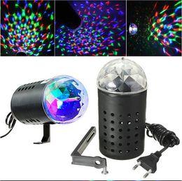Otomatik Dönen 3 W RGB Işık Lamba Ses aktive Kristal Magic Ball Lazer Sahne Işık için Parti Disco DJ Bar Ampul KTV Aydınlatma Gösterisi nereden mum ampul kapakları tedarikçiler