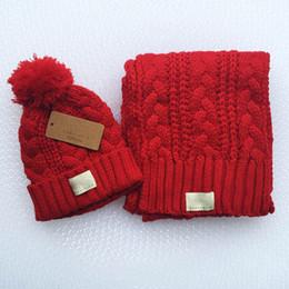 Sciarpe di natale online-Set di 4 copricapo caldo invernale Set copricapo invernale + sciarpa invernale cappello lavorato a maglia berretto da sci berretto di lana caldo berretto maglieria regalo di Natale A ++++