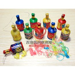Wholesale Confetti Fireworks - Wholesale-Small pull confetti cannon salute fireworks tube color small cannon Christmas wedding party wedding birthday party atmosphere