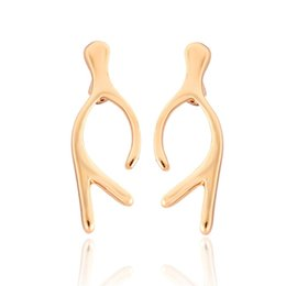 Wholesale Gold Carnation - Novelties Ear Cuff Temperament Creative Glossy Antlers Female Stud Earrings Carnations Women'S Jewelry Accessories jl-319