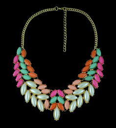 Wholesale gold metal leaf necklace - New Fashion Chunky Gold Tone Metal Candy Resin Gem Leaf Feather Choker Bib Necklace