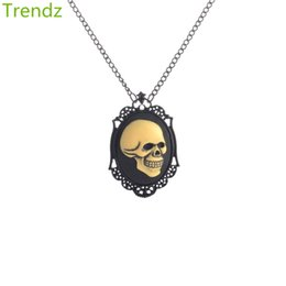 Wholesale Cameo Jewelry Wholesale - Golden Skull Face Pendants On Black Hand Painted Cameo Necklace For Men 2016 New Vintage Goth Steampunk Kitsch Jewelry Min 1PCS STPK15073