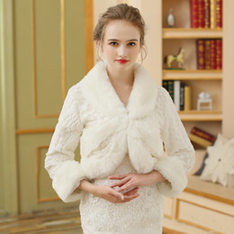 Wholesale leather bolero - 2017 Cheap Bridal Fur Wraps Faux Fur Coat Wedding Jackets Fashion Cover up Cape Winter Stole Shrug Shawl Bolero