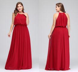 плюс размер длинное красное шифоновое платье Скидка 2018 дизайнер длинные плюс размер платья невесты дешевые Красный шифон фрейлина платья длиной до пола Холтер Пром платье CPS618