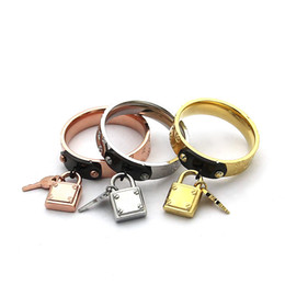 Wholesale Lock Key Couples Jewelry - Wholesale foreign trade jewelry couple ring key lock head four leaf flower ring 18K rose gold ring