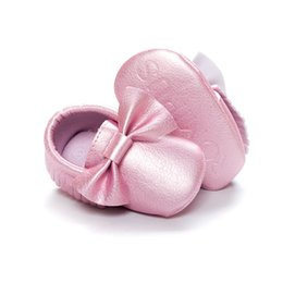Wholesale Girls Bowties - Cute Pink Baby Girl Shoe Bowties Glossy Comfortable Newborn Shoes Soft Fringe Infant First Walker baby sock
