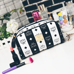 Wholesale Large Cosmetic Pouch - New Arrival men travelling toilet bag fashion design women wash bag large capacity cosmetic bags makeup toiletry bag Pouch travel bags
