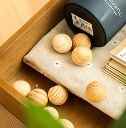 Wholesale Pest Supply - Camphor ball Aromatherapy supplies daily wardrobe insect prevention mothproof sandalwood wood ball Pest Control household goods