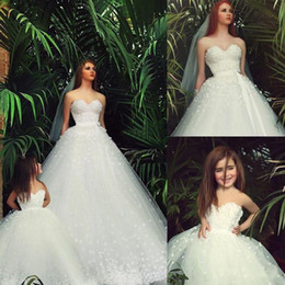 Wholesale Mothers Garden - White Classy Wedding Dresses and Flower Girl's Junior Bridesmaid Dresses Flora Tutu Sweetheart with Pearls Mother & Daughter Dresses