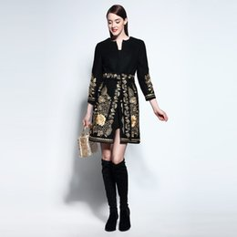 Wholesale Gold Noble Weave - Runway Noble 2017 Autumn&Winter Gold Flower Embroidery Long-sleeve Covered Button Sashes Wool Slim Coat Outerwear