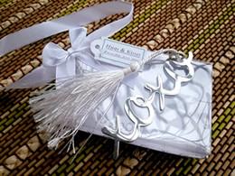 Argentina Marcador de acero inoxidable plateado 'xoxo' Marcadores con borlas 100 Sets favores de la boda Nueva moda hermosos regalos de boda Favores de la boda cheap silver bookmark tassels Suministro