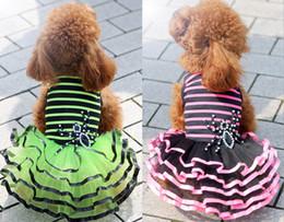 vestidos de tutú verde Rebajas El perro de la ropa del perro al por mayor suministra el vestido del pañal para el perro 2 colores rosa, ropa verde de la falda del tutú del perro
