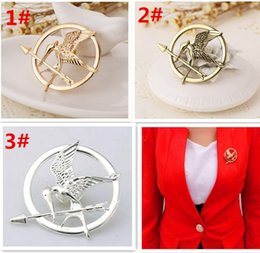 Wholesale European Pin - .best price 3 colors The Hunger Games Brooches Inspired Mockingjay And Arrow Brooches Pin Corsage Promotion European D429