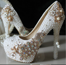 Wholesale Gown Peacock - Luxury High Heel Wedding Shoes With Crystal and Pearl Peacock Cheap Free Shipping White Round Toe 3CM Platform Brdial Pumps Gowns