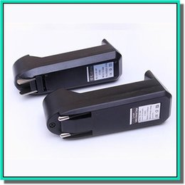 2019 cargador de muelle de cuna para reloj de engranajes El cargador de batería 18650 C1 individual 18650 C1 más popular para la batería Li-ion 3.7V y exportación a todo el mundo