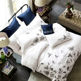 Wholesale Black Flower Comforter - 2017New fashion 100%Cotton Tribute Silk Bedding Sets White black flowers Embroidered Hotel home Duvet Cover Set King Queen Size