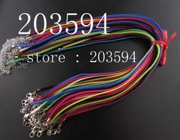 100pcs / lot 3mm scamosciata cavo Velluto Pelle cavo della collana del Camoscio regolabile multicolore piatto Faux con il catenaccio da