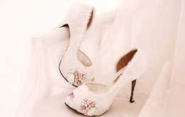 Wholesale Gorgeous Diamond Shoes - Luxury Swarovski Diamond Wedding Shoes Gorgeous Pearl White Feather Bride Shoes High-heeled Women's Party Prom Shoes