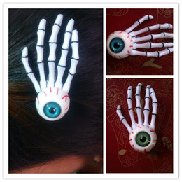 Скелетные когти зажимы для волос онлайн-Punk Eyeball on Skeleton Claw Zombie Hand Clip Harajuku Bloodshot Green Blue Eyeballs Аксессуары для волос Hallowmas Gifts HJ106