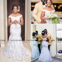 Criss croce spalla abito online-Abiti da sposa bellissima sirena 2019 Nigeria Off-spalla scollo a V Appliques lungo treno corte Backless Lace Up abiti da sposa