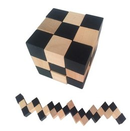 Wholesale Hearts International - Wholesale- Suzakoo Wooden Heart shape Unlock disassembly Cube puzzle game for children and adult