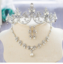 Wholesale Neckline Jewelry - Princess Bridal Jewelry 3 Pieces Wedding Set Beads Pearls Wedding Accessory Neckline Earring Crown Women Wedding Party Wear
